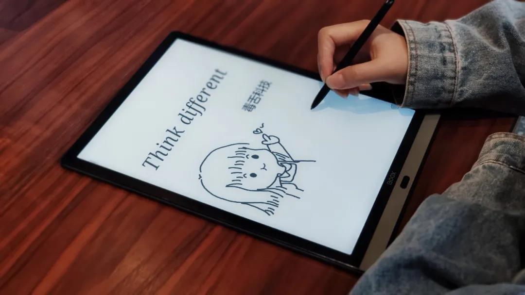 毒舌評測:有這個智能墨水平板,手裏的 iPad 一下就不香了!