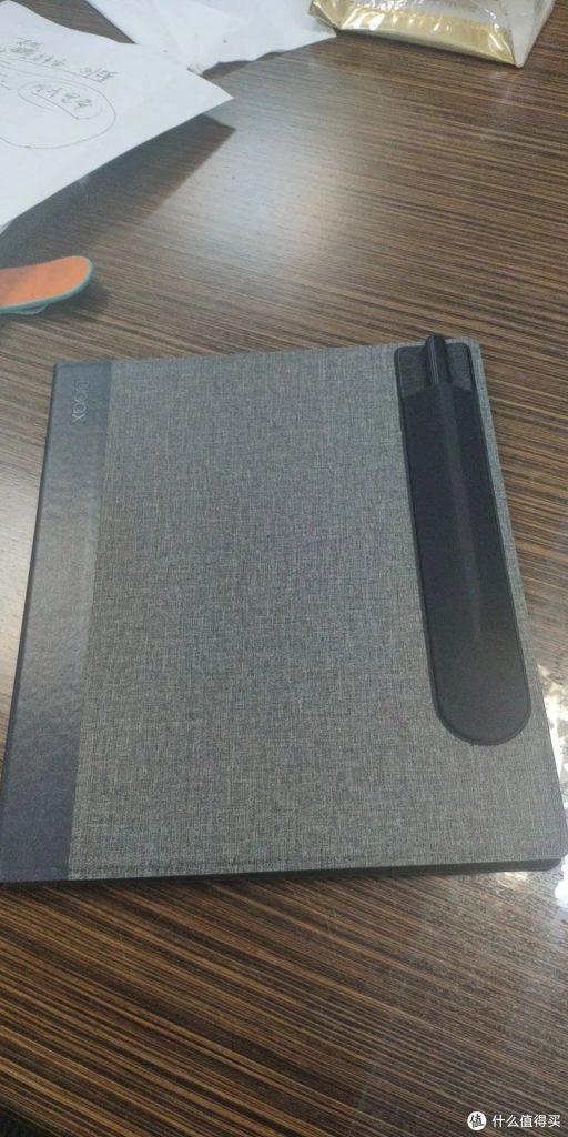 Note Air 原廠皮套的筆套位置